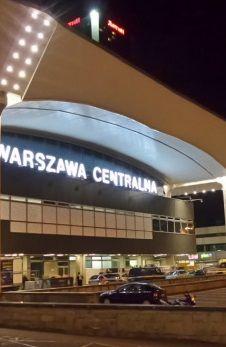Reklamowa płachta znów zasłoni Dworzec Centralny - http://tvnwarszawa.tvn24.pl/informacje,news,reklamowa-plachta-znow-zasloni-dworzec-centralny,189716.html