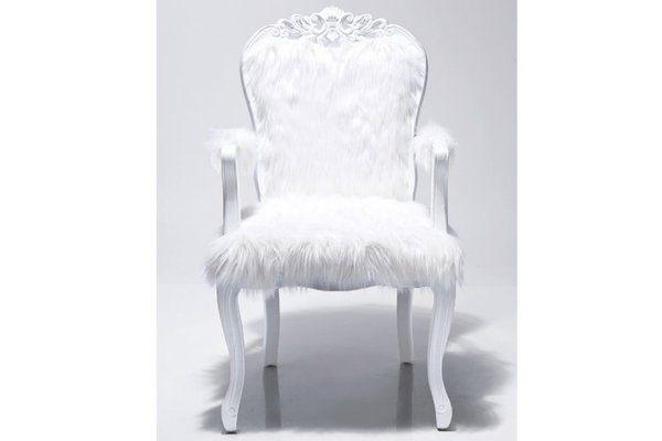Ce fauteuil de style baroque ne passera pas inaperçu avec son assise poilue. 399 €. Fauteuil Romantico. Declikdeco. www.declikdeco.fr
