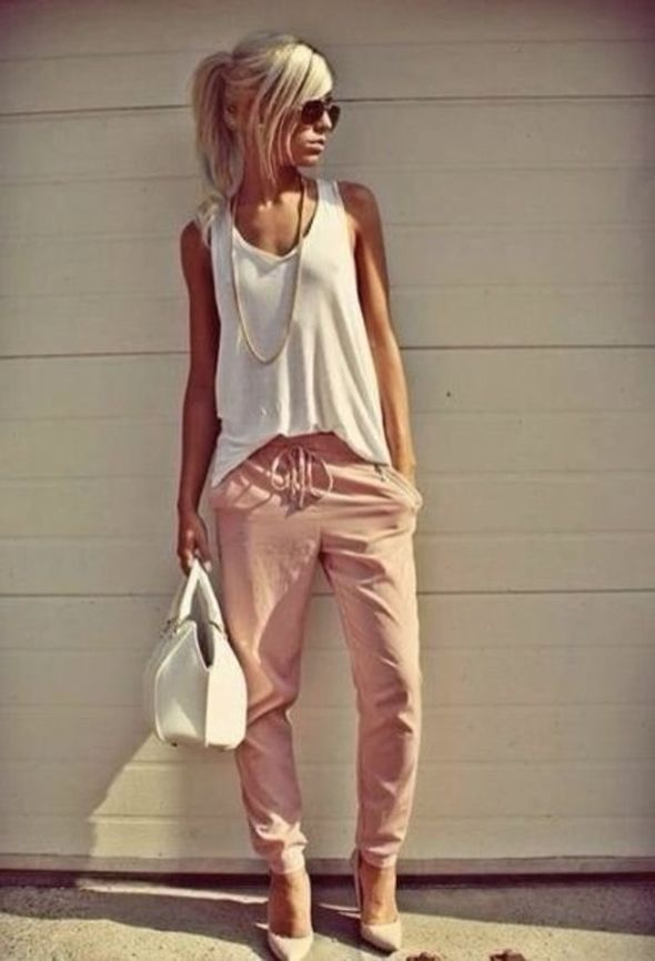 Love this casual style. If you look closely these are cotton drawstring joggers. See what you can achieve when you add heels! | Stylish outfits for fashionable women.