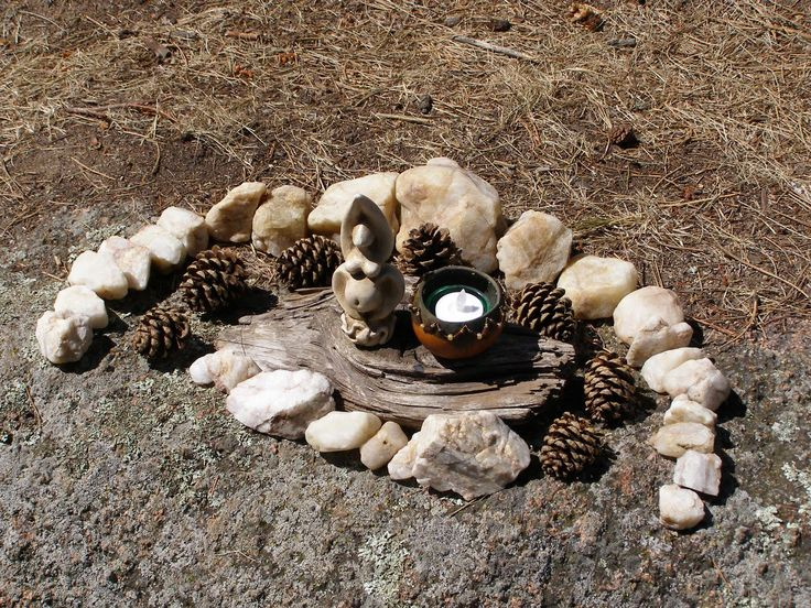 wiccan forest alter | Not all of my altars are large and detailed. This is a little one that ...