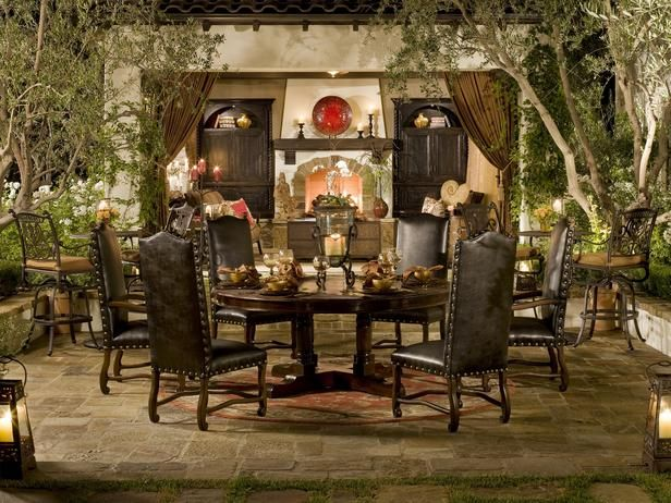 Outdoor space - Old World style - Very nice!