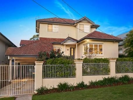 http://m.realestate.com.au/property-house-nsw-collaroy-117611603 - Sold By - Simon Carroll 0424 590 974
