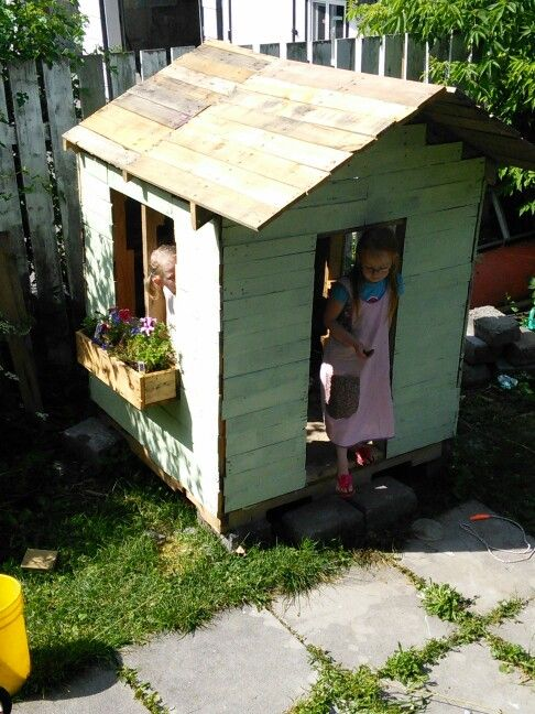 Pallet play house-cost 30$
