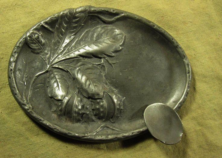 JOL CENDRIER VIDE-POCHE en étain,DECOR de FEUILLE et BOGUES de MARRONNIER d'INDE | Art, antiquités, Objets du XXème, récents | eBay!