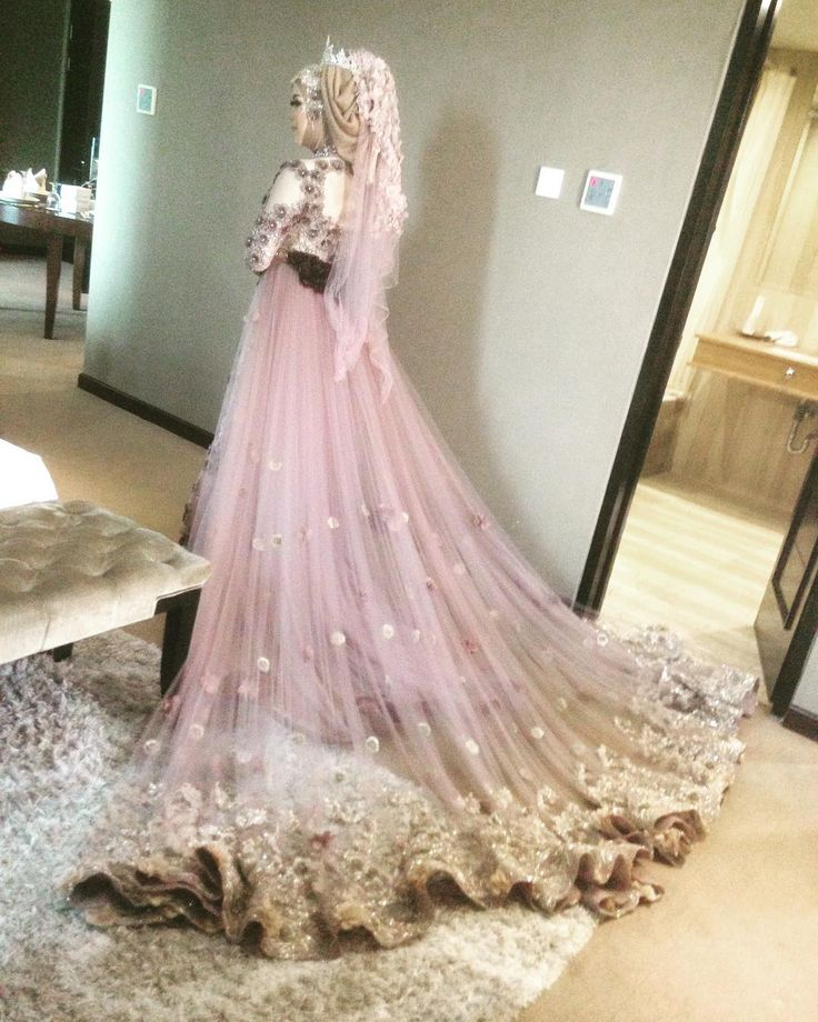Beautiful wedding dress for akad miss Yenny-Jogja @Jogja @rosinhotel hijab request by her. KOKHA PROFESSIONAL wedding for info : Wa : 082233123418 (slow respon) Line ID : @piq2713x pakai @ (FAST respon ) NO CALL ! NO SMS! Please chat whatsapp ya kak :) INFO PRICELIST ONLY VIA WHATSAPP DAN LINE yah :) INFO LEBIH DETAIL BISA LANGSUNG DATANG KE KOKHA PROFESIONAL WEDDING JALAN HALMAHERA 9B Malang BUKA SETIAP SENIN-MINGGU 9.00 -17.00 MENERIMA MAKE UP WEDDING DI LUAR KOTA DAN LUAR PULAU…