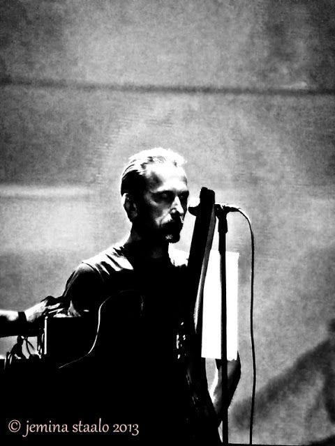 Musta on valkoista: Veli-Matti O Äijälä & The Kolmas @ Flow festival 2013