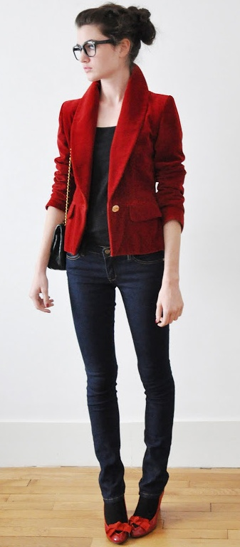 love that red velvet jacket, red & black are great together... i