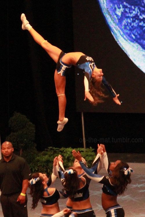 This is so awesome! #cheer #stunts #cheerleader