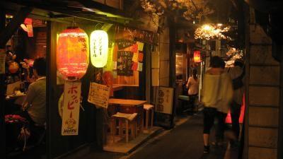 "Time-trip like experience!! Stroll around ""Omoide Yokocho"" out of Shinjuku west exit - Japanese food [Oshiete! goo]"