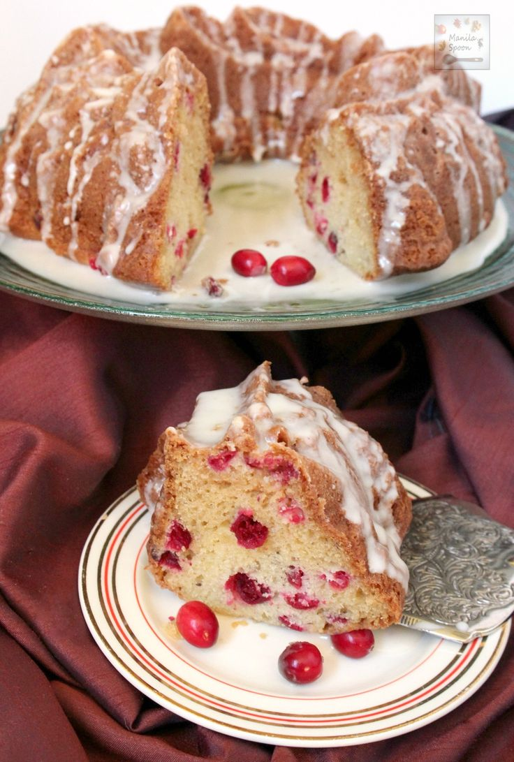 Use fresh, frozen or dried cranberries to make this moist and delicious White Chocolate Cranberry Coffee Cake. Perfect Thanksgiving, Christmas and New Year holiday table! | manilaspoon.com