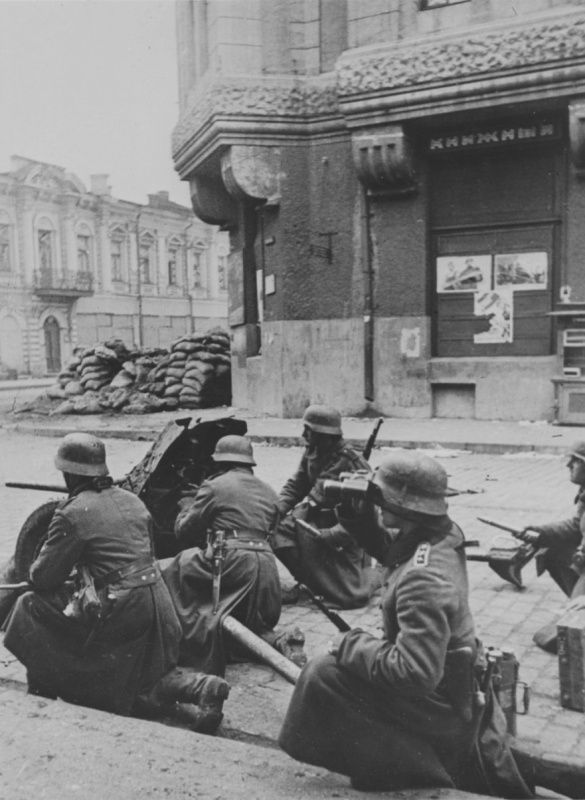 German 50 Mm Anti Tank Gun: German 37-mm Anti-tank Gun PaK 35/36 On Kharkov