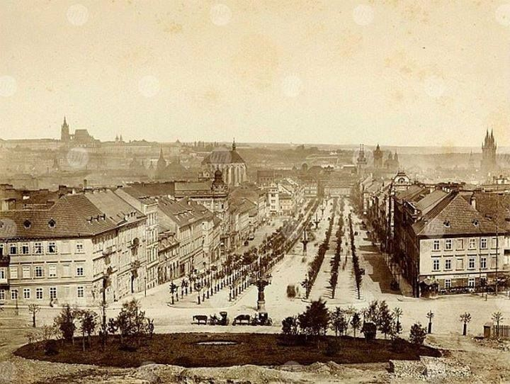 VÁCLAVSKÉ SQUARE 1880