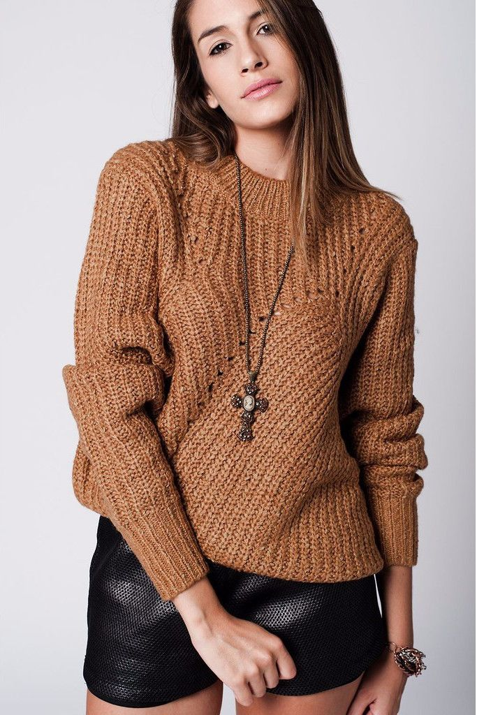 Camel chunky knit jersey with cut details