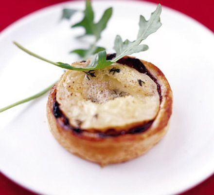 Goat's cheese & cranberry tartlets             These vegetarian tartlets make great finger food for a festive drinks party