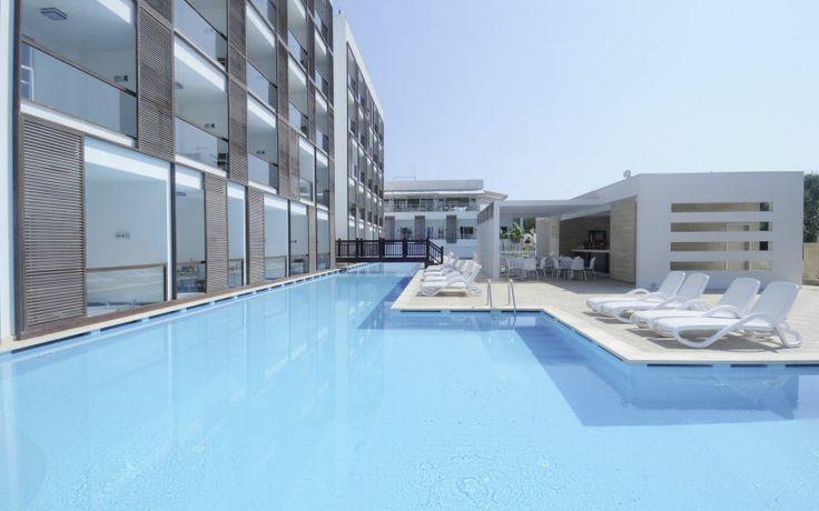 Skal du på voksen ferie, eller med din bedste ven på ferie skal I tage til denne lille hotelperle - Sentido Golden Bay. Se mere på http://www.apollorejser.dk/rejser/europa/tyrkiet/alanya/hoteller/sentido-golden-bay