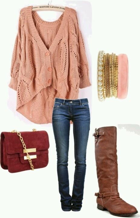Botas cafe saco rosado   Outfits!   Pinterest