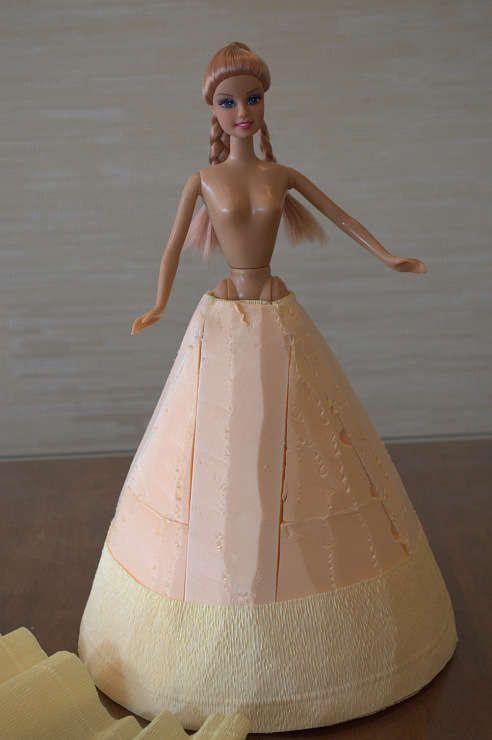Делаем куклу из конфет своими руками. Шаг 8
