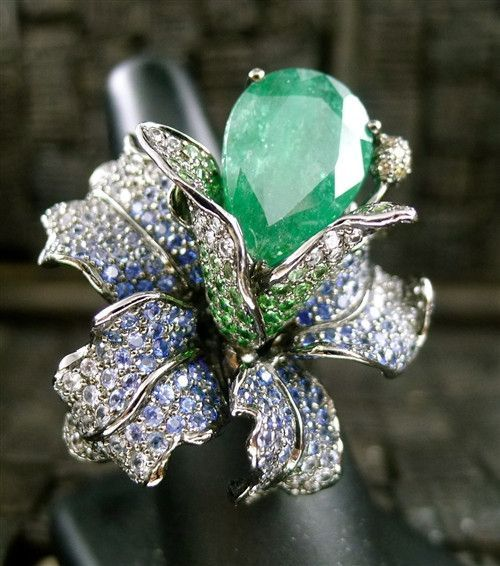 Wendy Yue 18K White Gold, Emerald, Diamond, and Sapphire Orchid Ring