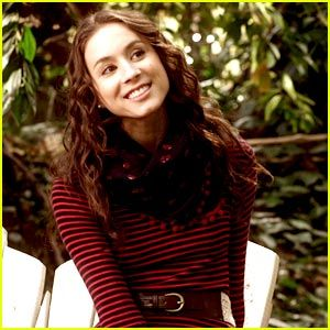 Spencer is by far my favorite pretty little liar. This outfit in particular was one of my faves!