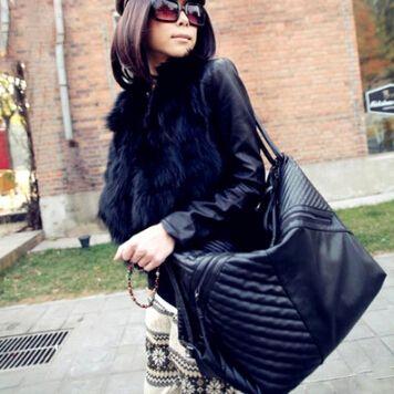 25 dollars 2015 Designer sacs à main femmes sac à bandoulière grand cuir Pu Casual sacs à bandoulière noir mesdames fourre   tout Bolsas Feminina haute qualité dans Sacs Portés Epaule de Valises et sacs sur AliExpress.com   Alibaba Group