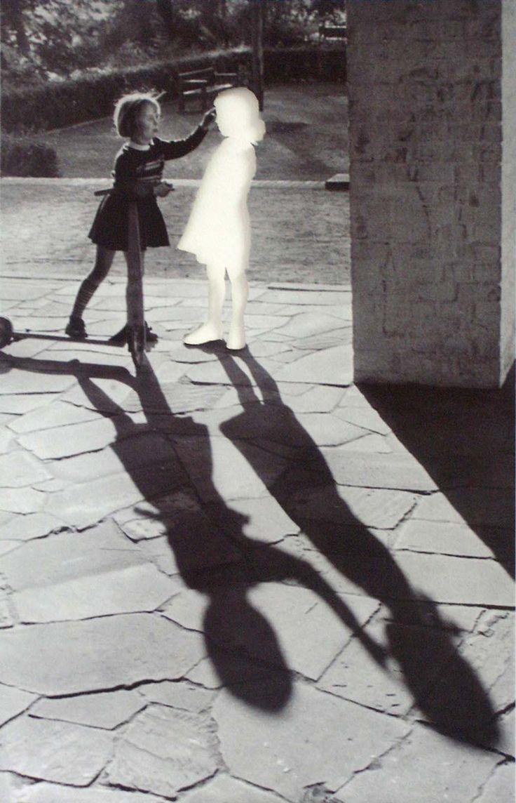 mkarmstr: Hans Peter Feldman, Zwei Mädchen, 1999 (via mixum) (via melisaki)