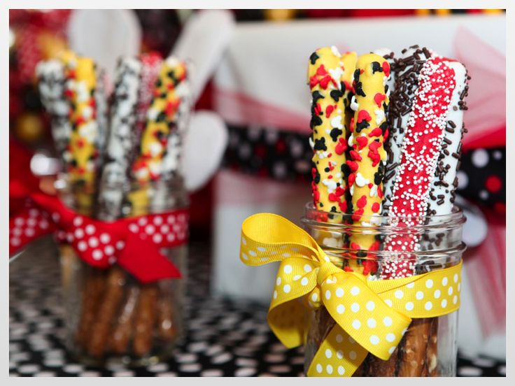 mickey photo display birthday | This was my first time making chocolate dipped Rice Krispie treats ...