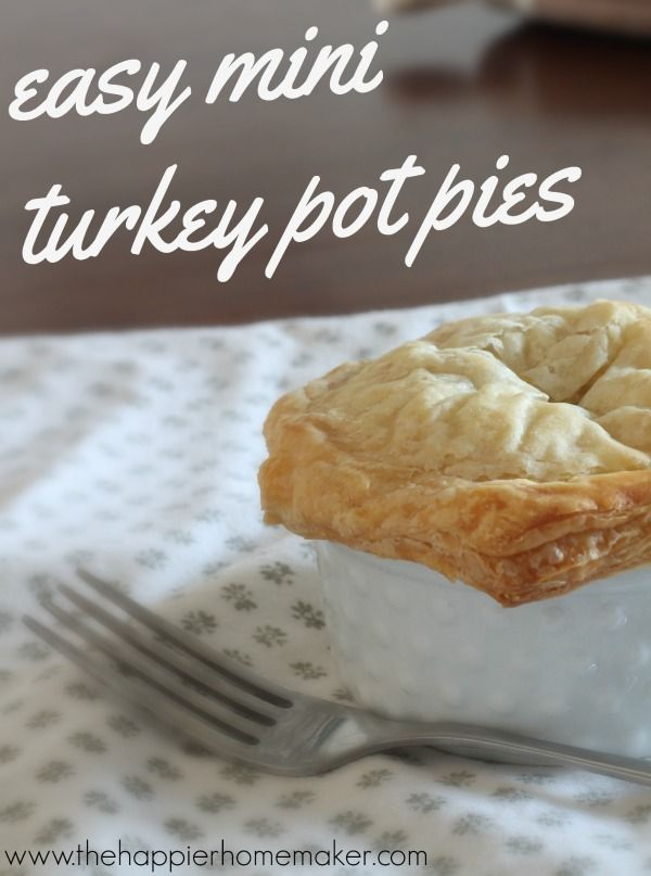 Easy Turkey Pot Pie Recipe-this is super easy and you can substitute things a number of different ways depending on what you have on hand! Great for leftovers or after Thanksgiving!