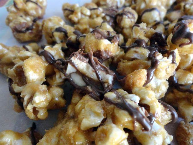 Snickers Popcorn | veronicascornucopia.com