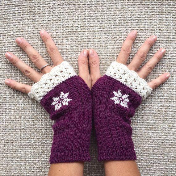 Christmas fingerless gloves for her perfect for by HandMadeInItaly
