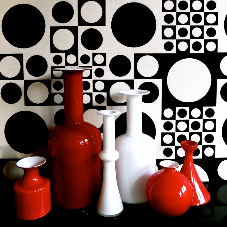 """Red"" Holmegaard Carnaby and Gulvase."