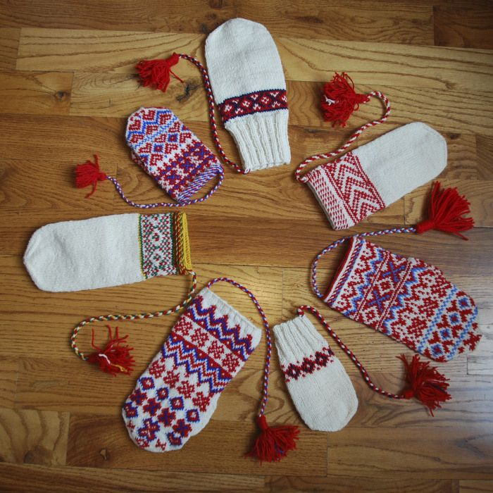 Mittens show a range of Sámi motifs and techniques