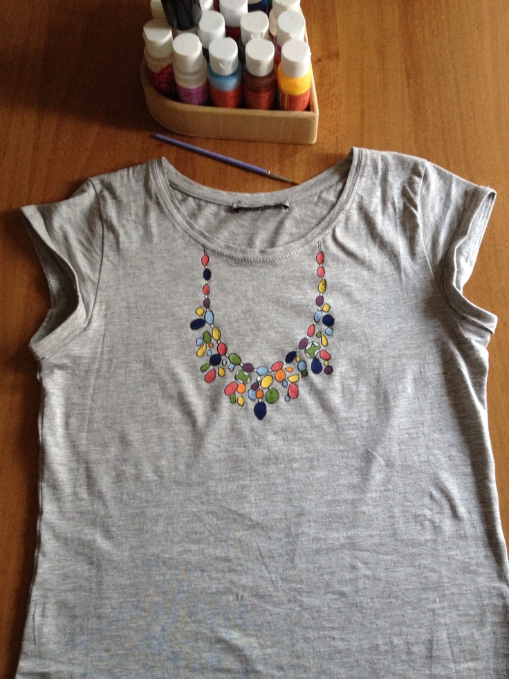 Statement necklace t-shirt!
