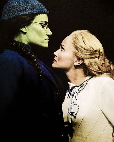 Idina Menzel and Kristin Chenoweth: I wish the first time I saw Wicked was with these two Amazing woman! ❤️