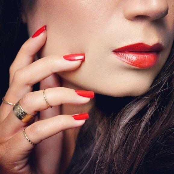 Dior 999 lipstick + bijpassende nagellak