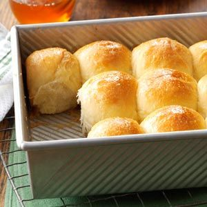 Golden Honey Pan Rolls - i recently resurrected my bread maker, these were yummy!