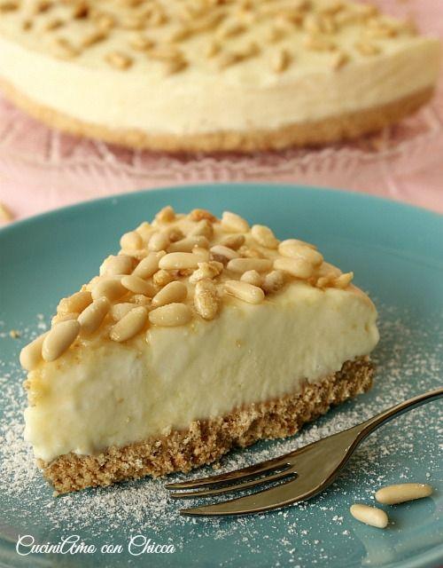 Tarte glacée à la crème pâtissière au mascarpone et pignons de pin. - Torta della nonna gelato |CuciniAmo con Chicca
