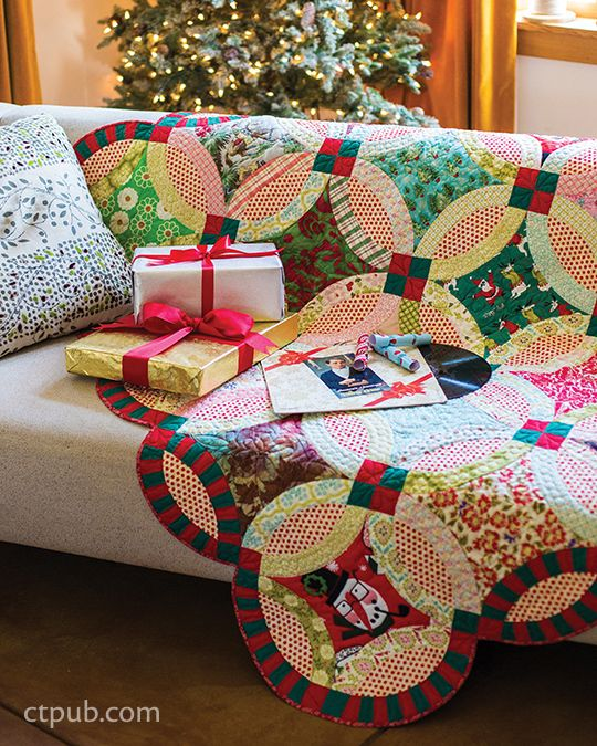 Double Wedding Ring Christmas quilt by Victoria Findlay Wolfe