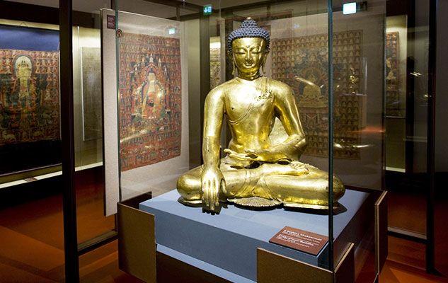 Il Museo di Arte Orientale di Torino, ubicato nel seicentesco Palazzo Massonis di Torino, ospita esclusivamente opere d'arte provenienti dall'Asia: manufatti provenienti dall'Asia Meridionale, reperti di manifattura cinese che hanno oltre 3.000 anni di storia e tantissimi opere di arte giapponese. Una collezione e un'arte, quella asiatica, tutta da scoprire.