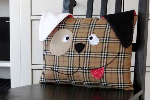 Sew A Cute Puppy Pillow Softie : Free pattern: Cute puppy throw pillow (Sewing Free pattern, Puppys and Throw pillows