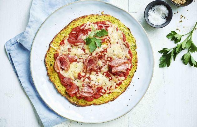 Courgettepizza met salami