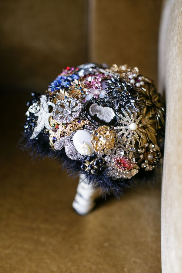Brooch bouquet from Simply Sandrolini