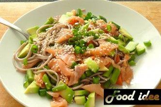 Boekweitnoedels met Zalm, Avocado en groenten