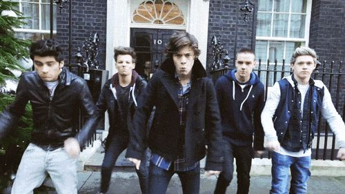 Learn To Dance Using These 12 Epic Moves From One Direction (GIFs)