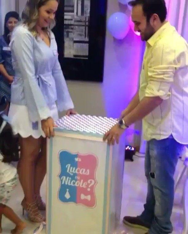 Mais um chá revelação ! Esse os papais escolheram a caixa com as bolas saindo na cor do sexo do bebê! Será que Lucas ou Nicole? Vi no @inspiresuafesta  #loucaporfestas #charevelaçao #menino? #menina?