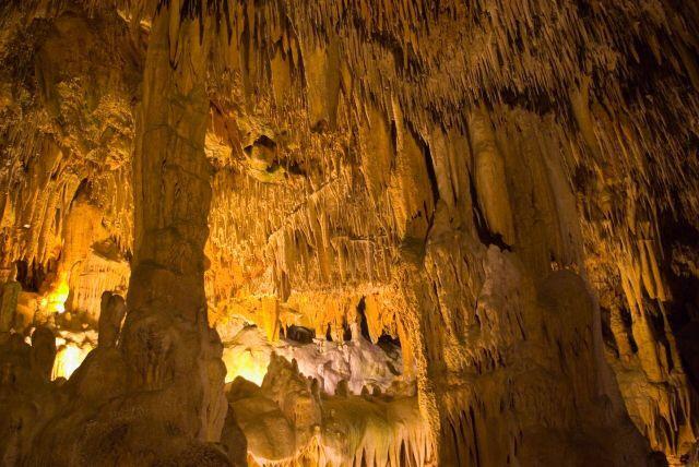 Damlataş astıma iyi gelir: Alanya için çok rahatlıkla bir mağaralar kenti diyebiliriz. Dünyaca ünlü mağarası Damlataş`tır. Mağara, büyüleyici güzelliğinin yanı sıra astım hastalarına iyi gelen havasıyla da bilinir.