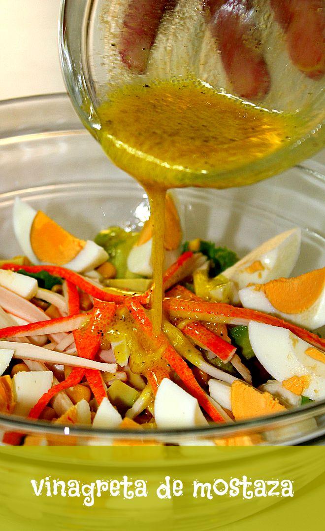 Ingredientes 4 cucharadas de aceite de oliva. 2 cucharadas de vinagre de vino blanco. 2 cucharadas de jugo de limón. 1 cucharada de mostaza. Pimienta negra molida.  Preparación Mezclamos en un bol el aceite de oliva, el vinagre y la mostaza. Añadimos el jugo de limón, la pimienta al gusto, y removemos hasta que se mezclen bien todos los ingredientes.