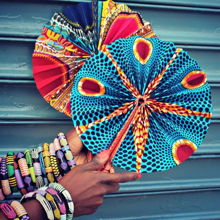 Ankara & leather fans made in Ghana. Shop here: www.apif-shop.com