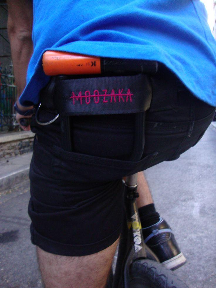 Moozaka U-Lock Holder-Magenta embroidery Logo #moozaka #moozakabikestuff #ulockholder #builttoride
