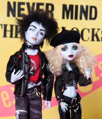 OOAK-Monster-High-Doll-repaint-034-Sid-and-Nancy-Punks-not-dead-034-PLASTIC-IDOLS