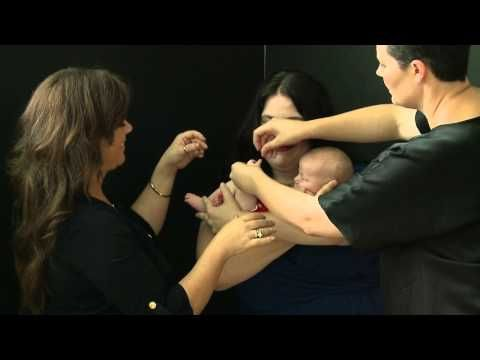 Sue Bryce and Kelly Brown: How to Pose a Mother With Newborn Baby - YouTube